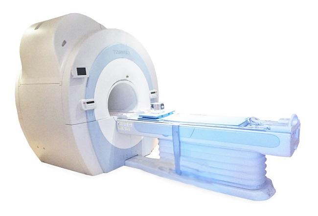 Toshiba Vantage Titan 1.5T MRI Scanner